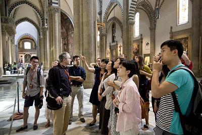 Seminar participants on tour