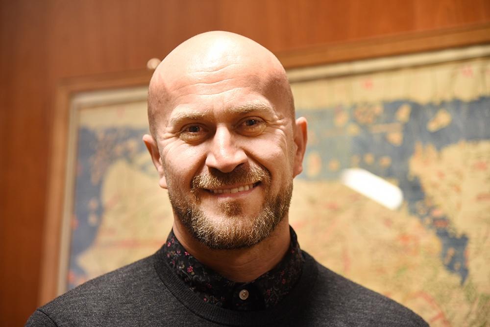 Portrait photo of Ivan Lupic