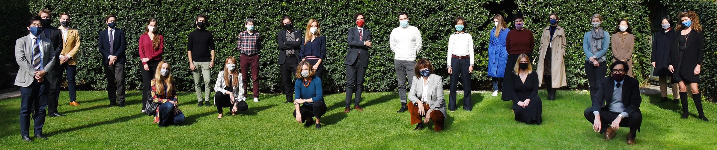 Group photo of 2020/2021 fellows in the garden