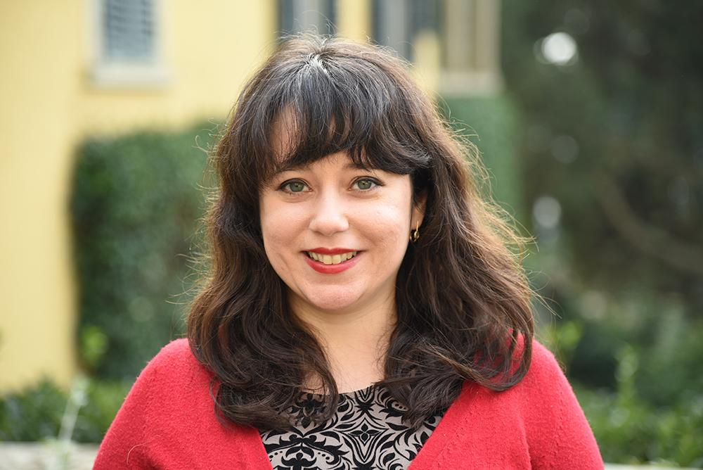 Portrait photo of Lisa Tagliaferri